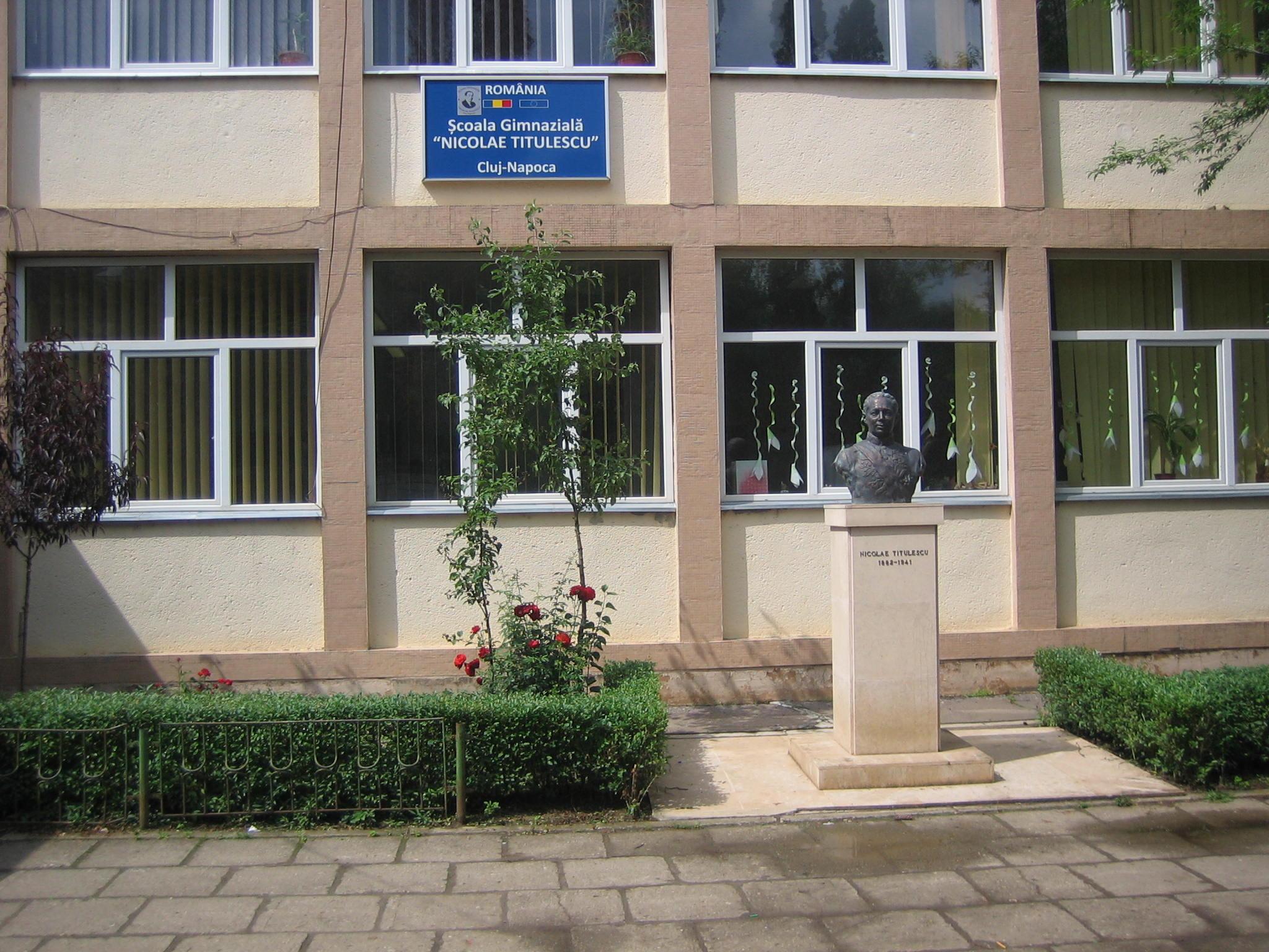 Sc. N. Titulescu Cluj-Napoca.jpg